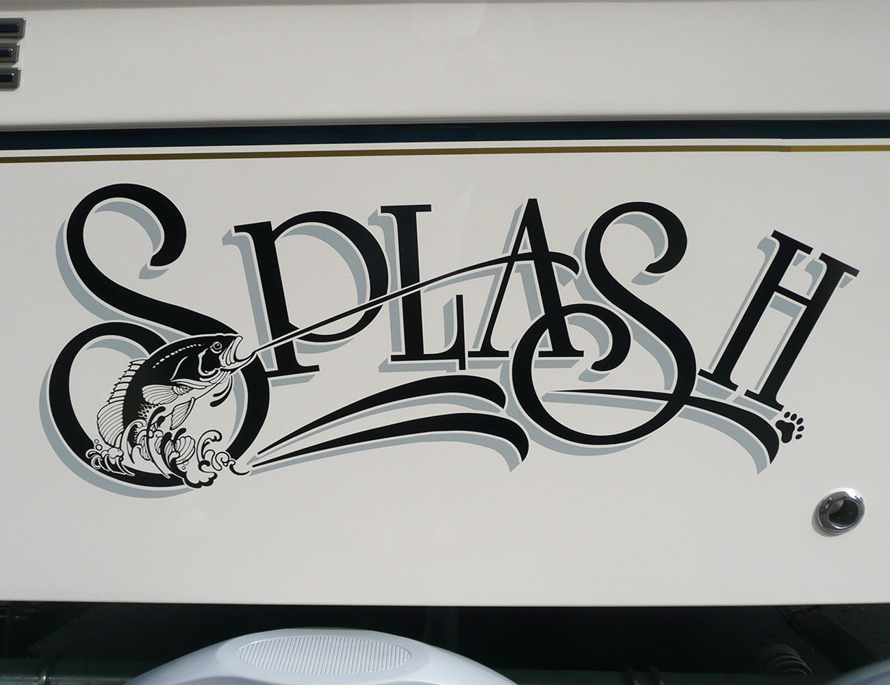 Margaux-Marine-Graphics-Splash